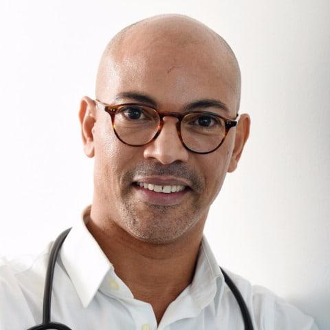 Doctor en medicina Univ. Habana Orlando Aguiar Pérez